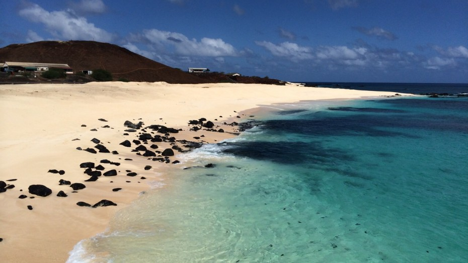 anne-margaretha-voor-anker-ascension-island