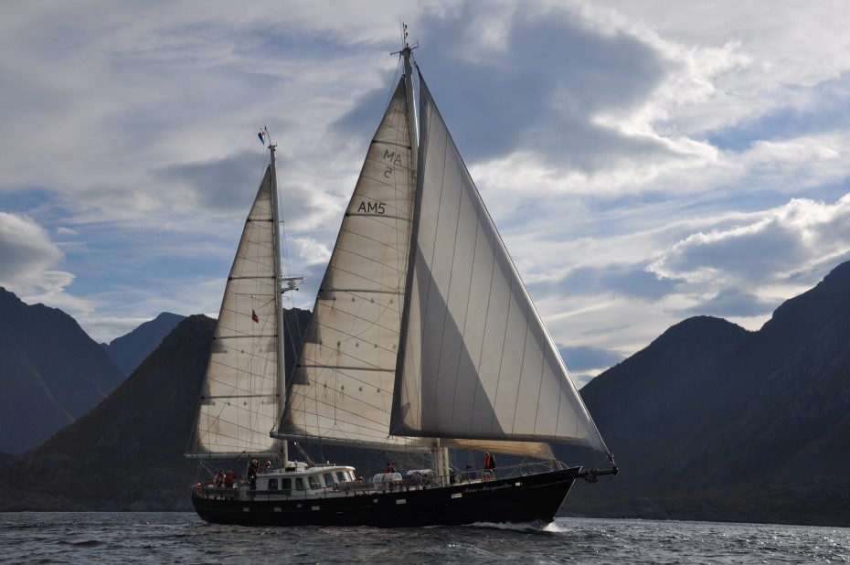 Anne-Margaretha sailing in Lofoten