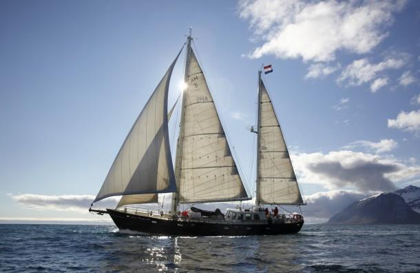 Anne-Margaretha zeilend Spitsbergen